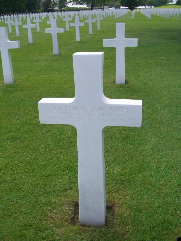 3rdarm world war 2 cemetary belgium henri lachapelle