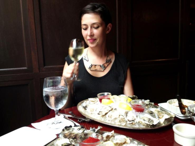 shuckers seattle happy hour oysters 3rdarm