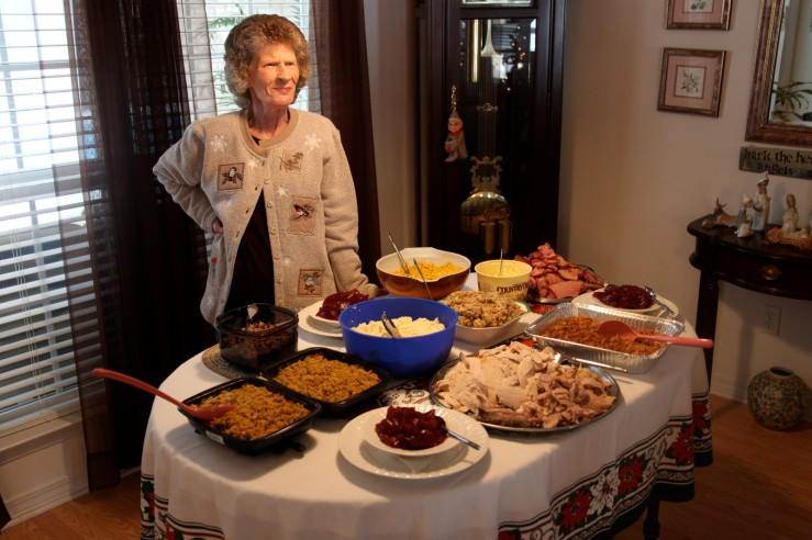 aunt glo christmas table baker 3rdarm