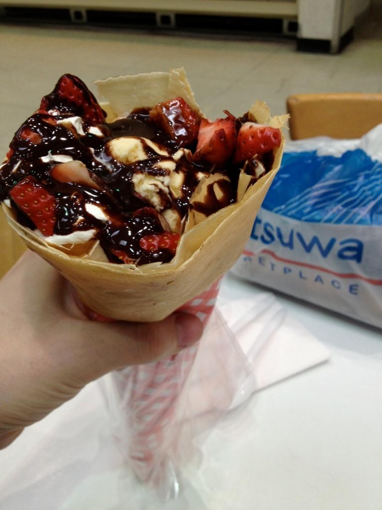 strawberry chocolate crepe cone mitsuwa 3rdarm chicago