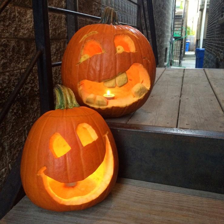 west town chicago halloween pumpkins neighbors jackolanterns october sunset light eagleman the brain 3rdarm