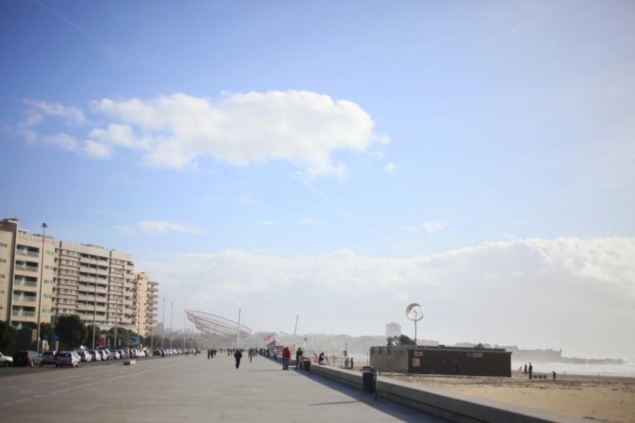 Praia de Matosinhos beach porto portugal surf 3rdarm widows fishermen statue