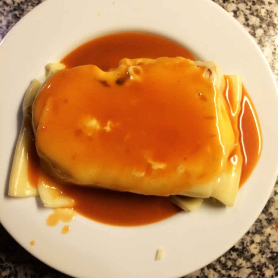 francesinha porto portugal sandwich dipping sauce steak pork cafe requinte deliciosa
