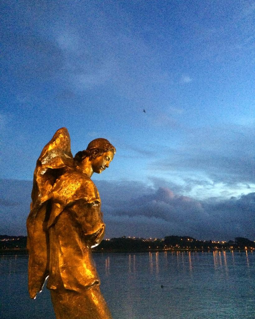 Arrábida Bridge douro river Anjo Gabriel ou Anjo Mensageiro irene vilar sculpture angel 3rdarm portugal porto