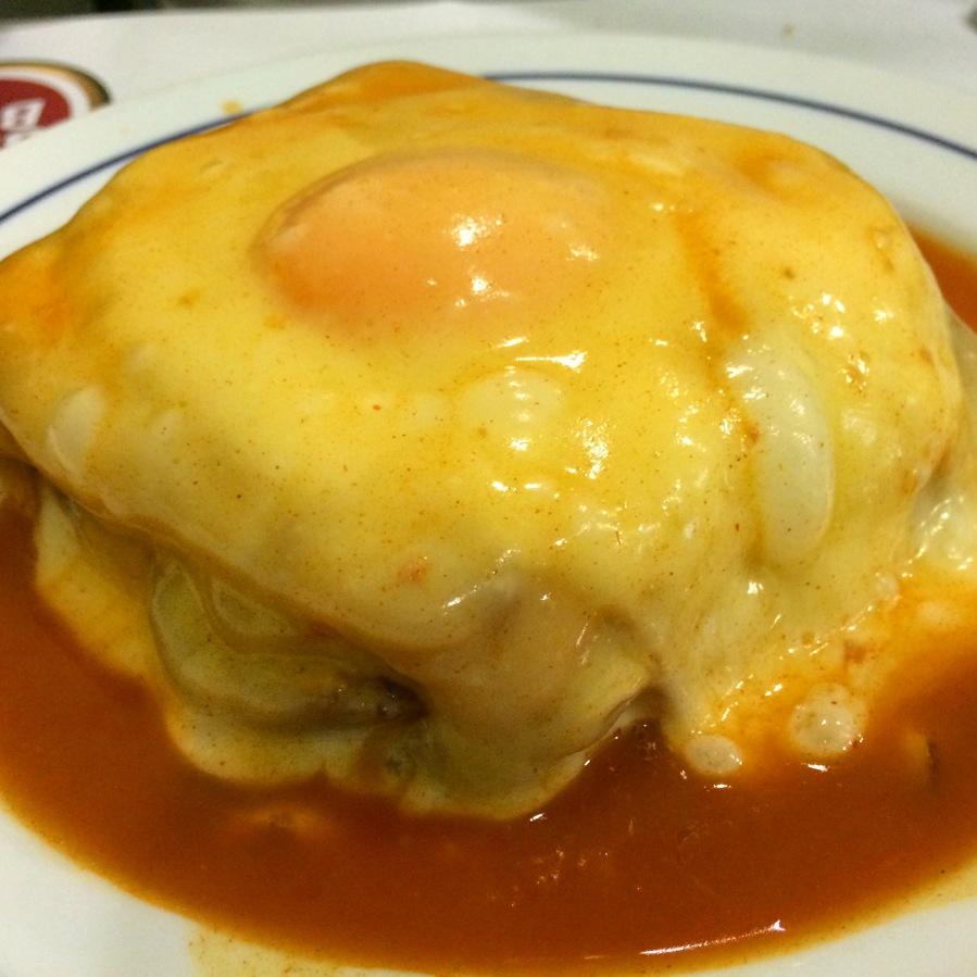 tiago mexica portugal porto lisbon alheira francescinha little frenchy with egg pontual snack bar cafe late night munchies 3rdarm