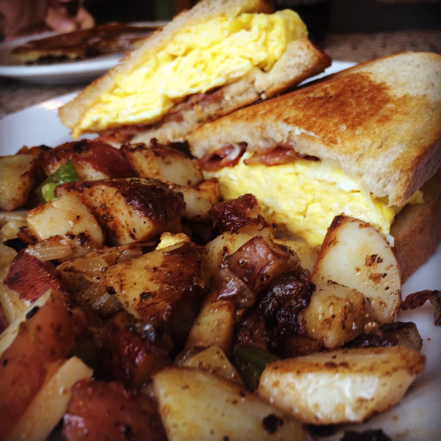 bridgeport restaurant south side sunset bacon egg cheese sausage melt obrien potatoes 3rdarm