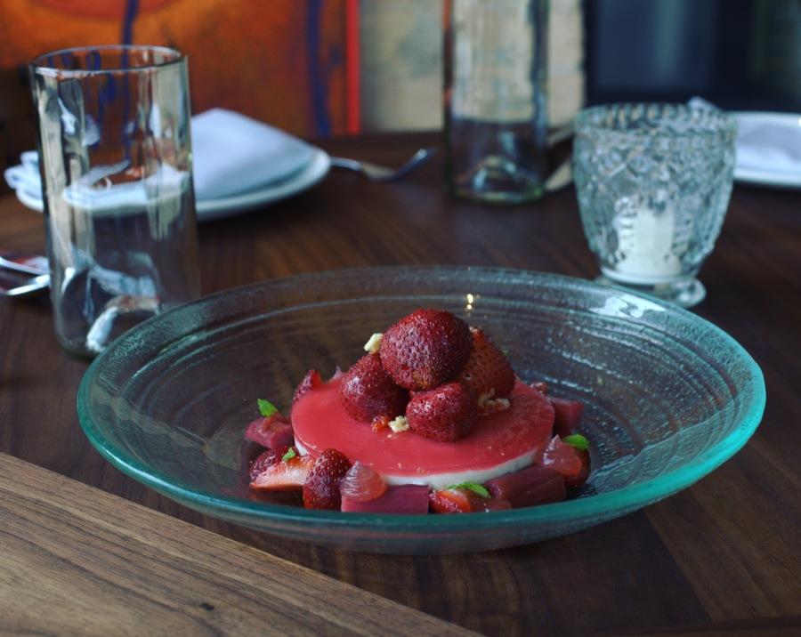 agua fresca strawberry cheesesteak west loop sunset los surfos 900 randolph lena brava cruz blanca rick bayless 3rdarm arthur mullen 2016 chicago restaurants